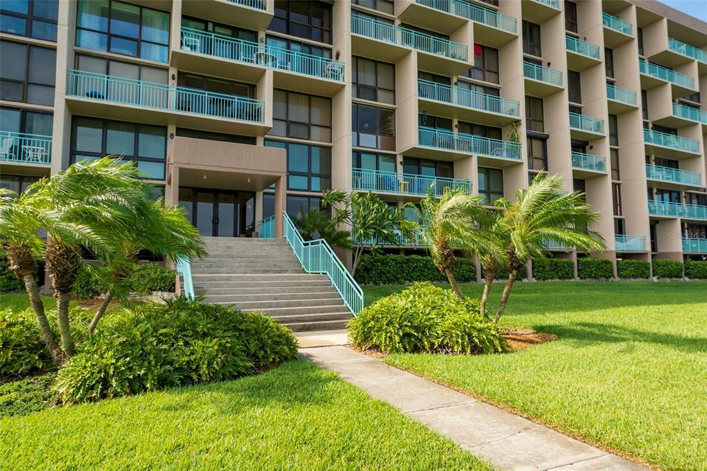 1 KEY CAPRI #711 E, Treasure Island FL 33706