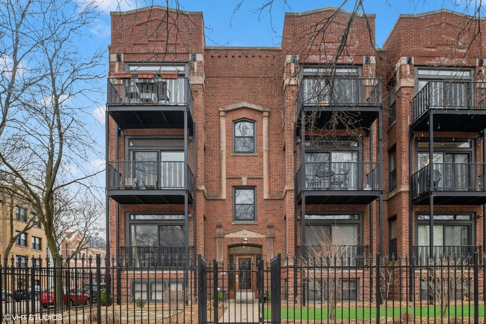 1435 W Addison Street Unit 3, Chicago IL 60613