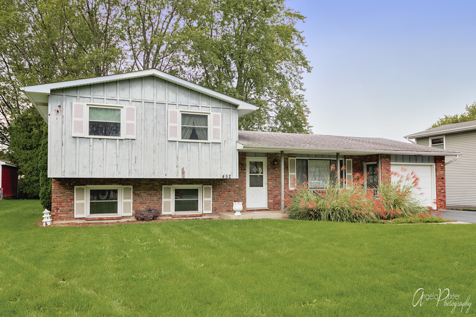 452 Belle Plaine Avenue, Gurnee IL 60031