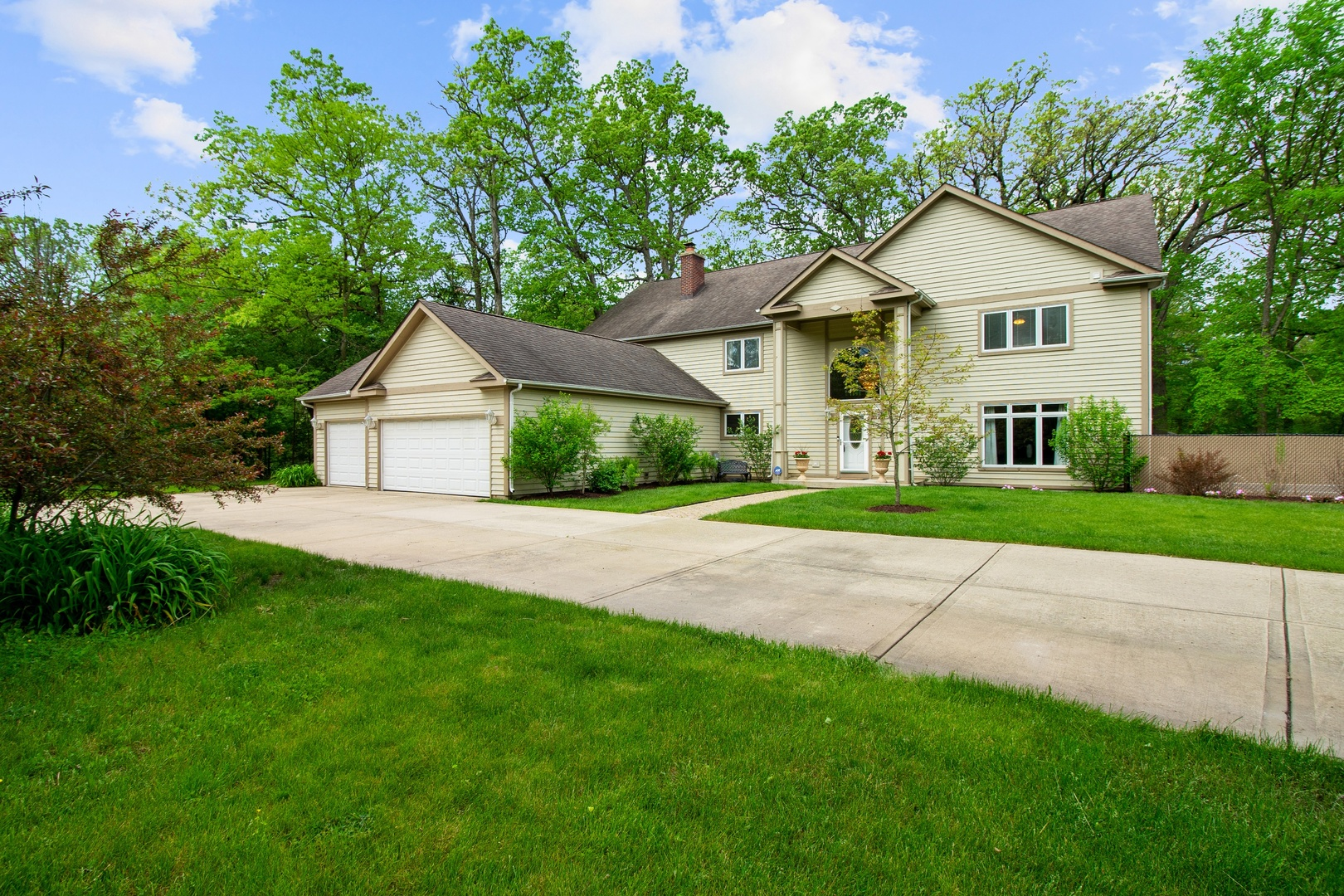 800 Blackhawk Lane, Riverwoods IL 60015