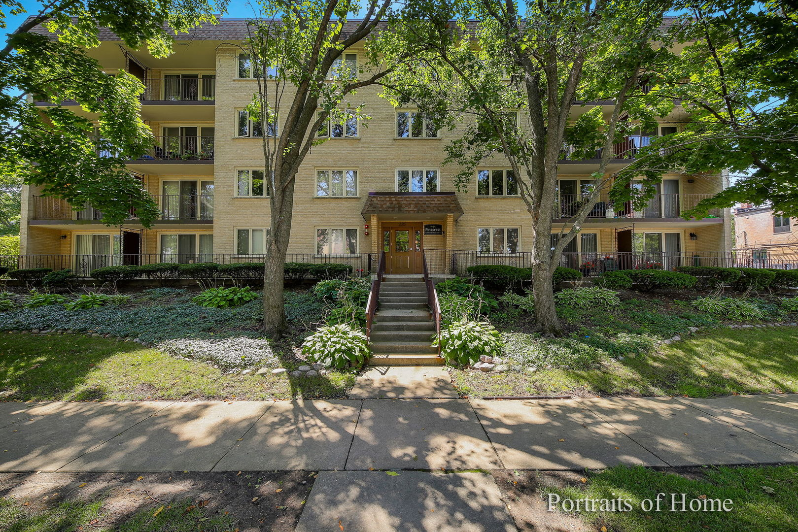 225 E Wing Street Unit 401, Arlington Heights IL 60004