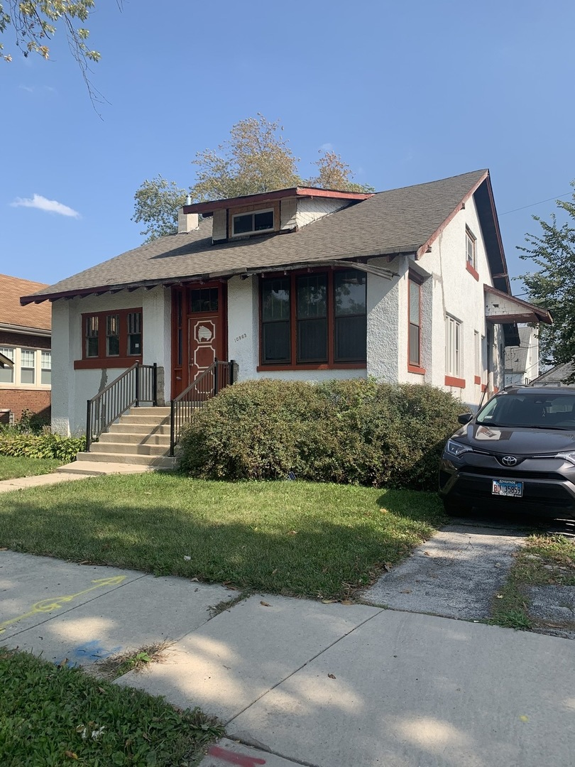10963 S Homewood Avenue, Chicago IL 60643