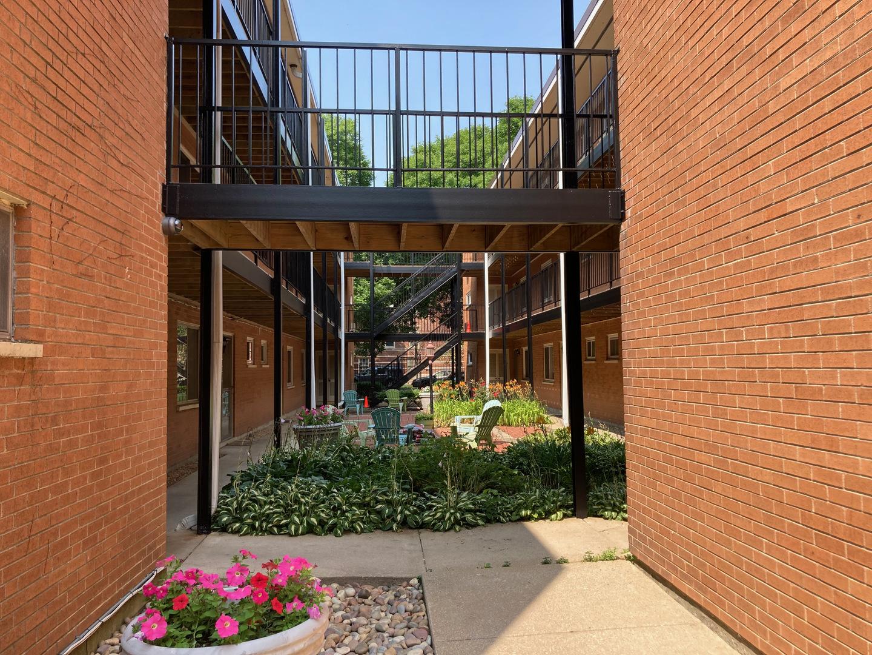 1545 W Chase Avenue Unit 107, Chicago IL 60626