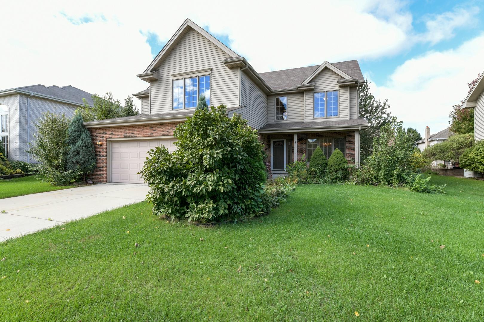 8130 Hampton Drive, Woodridge IL 60517