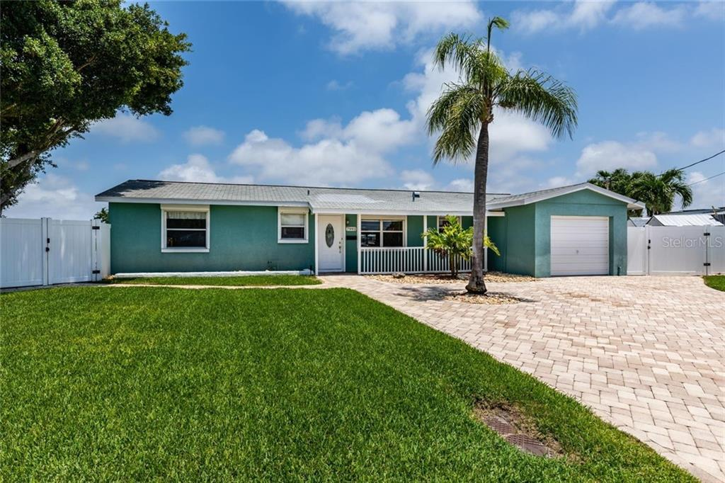 7993 2ND AVE S, St Petersburg FL 33707