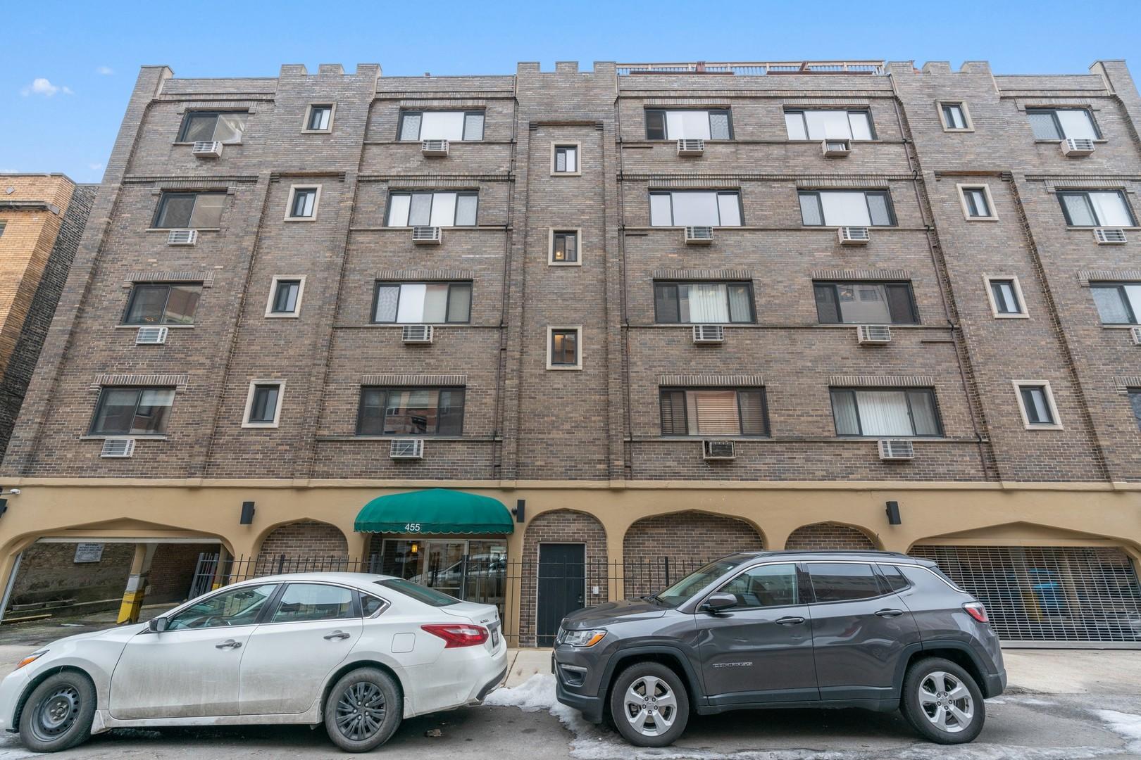 455 W St James Place Unit 301, Chicago IL 60614