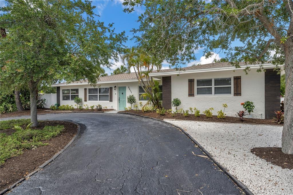 8601 GULF BLVD, St Pete Beach FL 33706