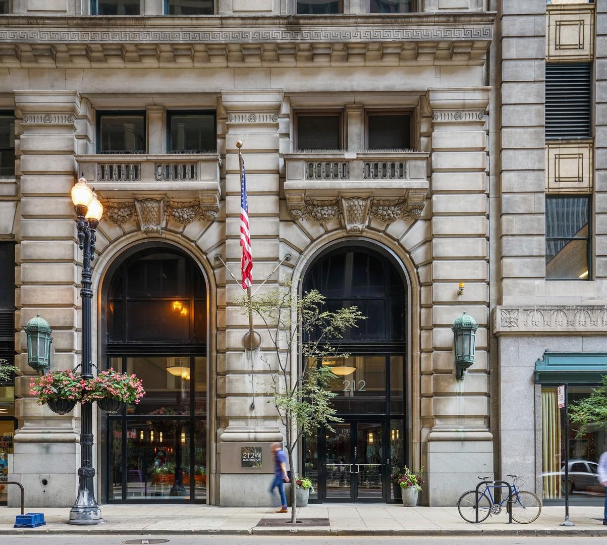 212 W WASHINGTON Street Unit 1801, Chicago IL 60606