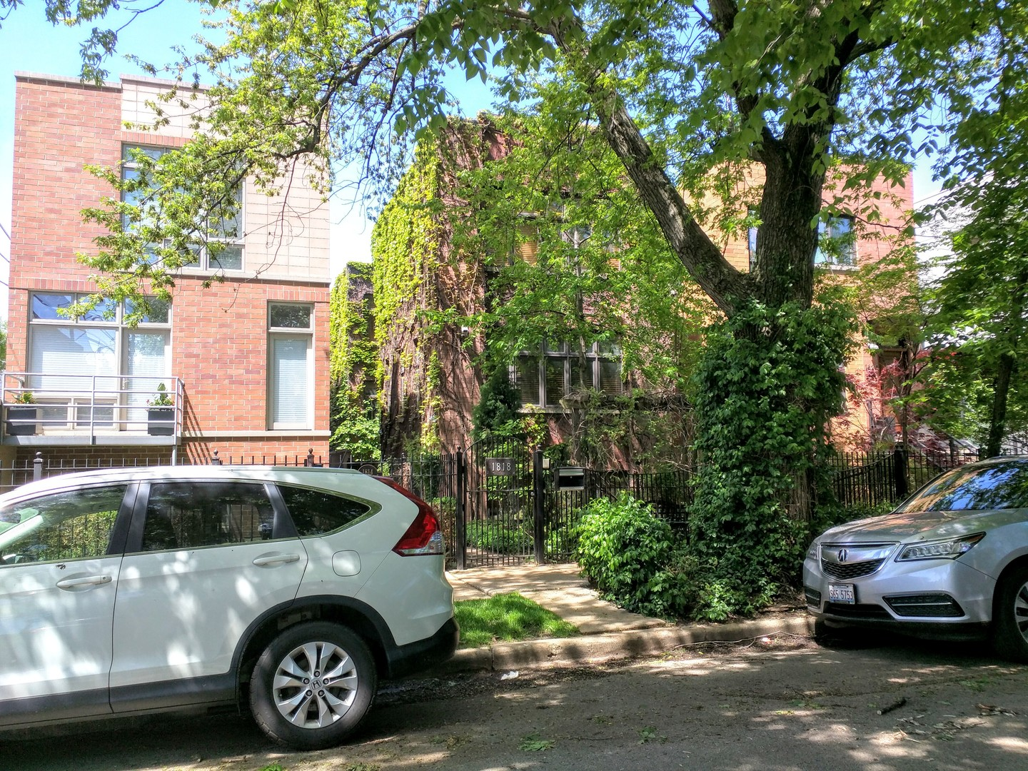 1818 N HONORE Street, Chicago IL 60622
