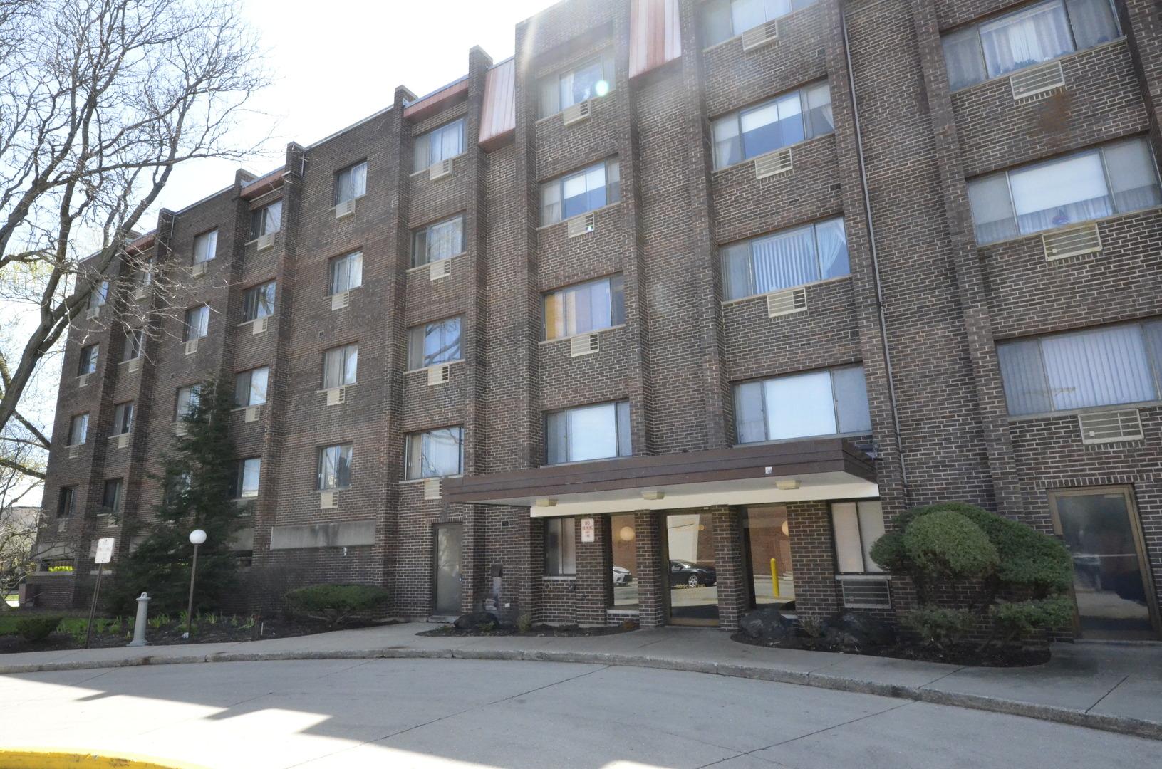 8455 W LELAND Avenue Unit 208, Chicago IL 60656