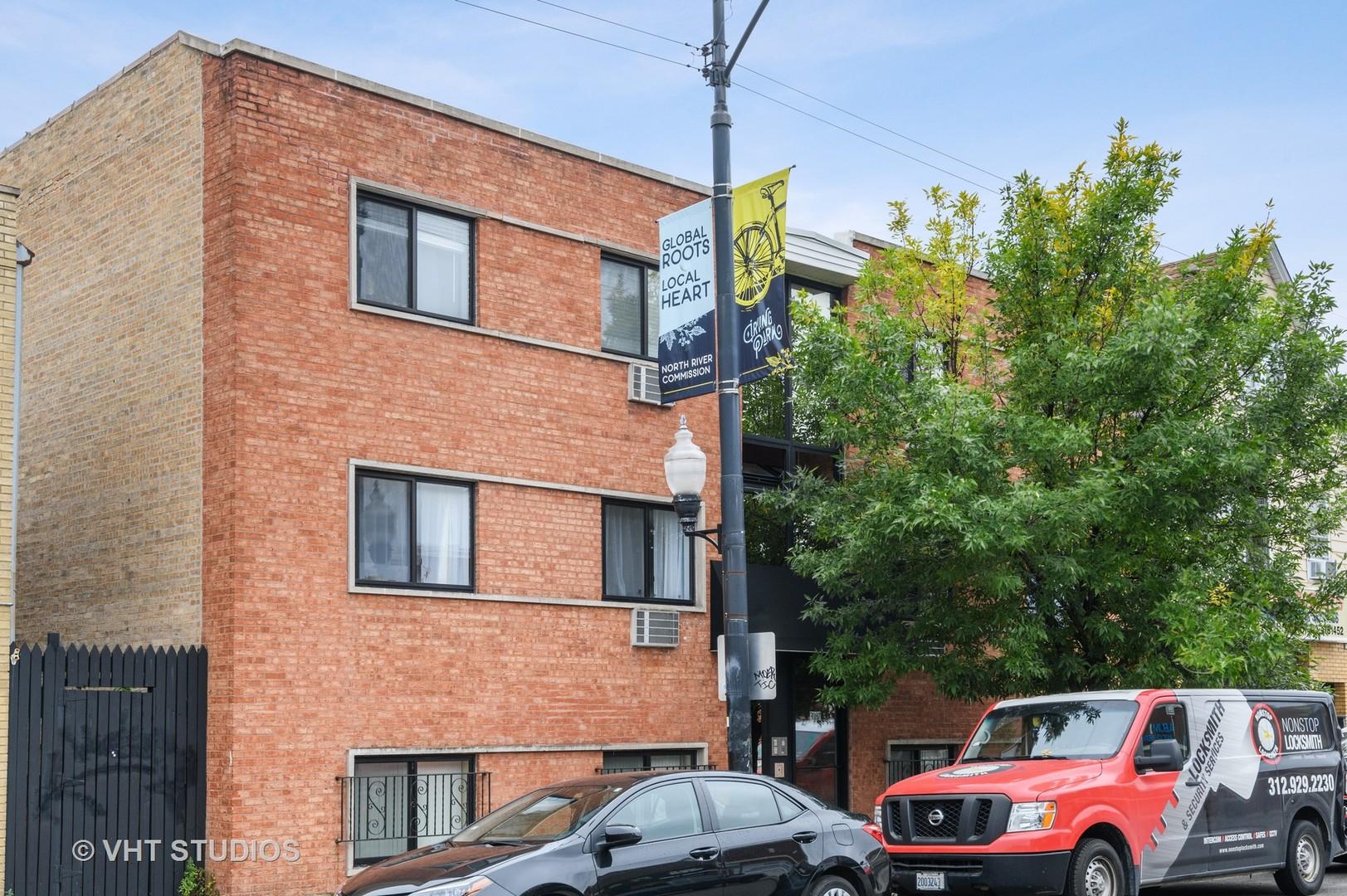 3037 W Montrose Avenue Unit 2A, Chicago IL 60618