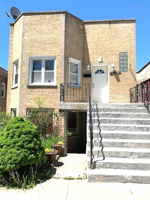 1326 S 59th Avenue, Cicero IL 60804