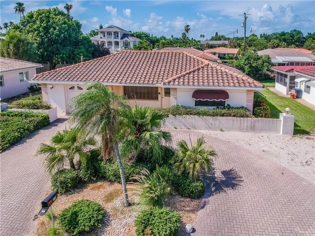 226 LIDO DR, St Pete Beach FL 33706