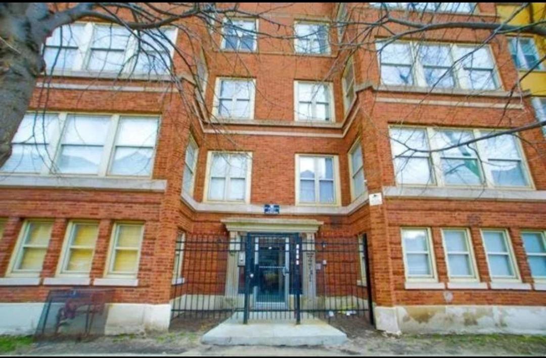 4731 S Ingleside Avenue Unit A1, Chicago IL 60615
