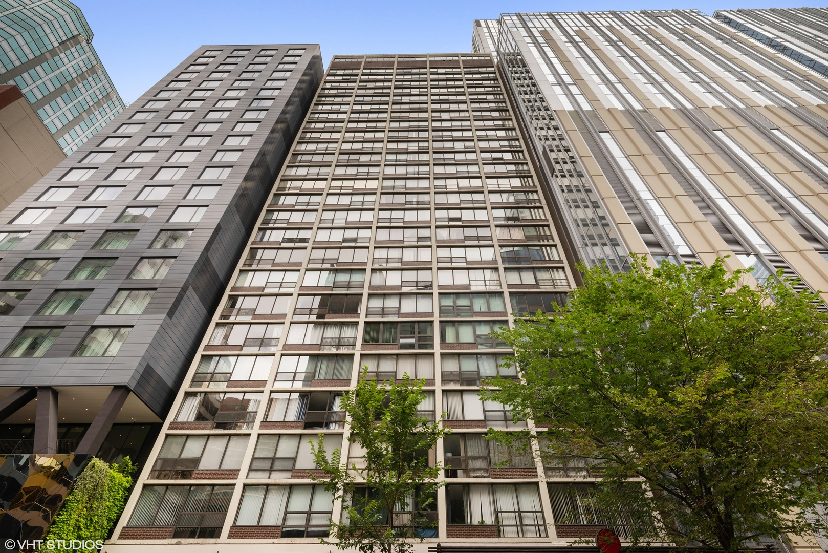 230 E Ontario Street Unit 1801, Chicago IL 60611