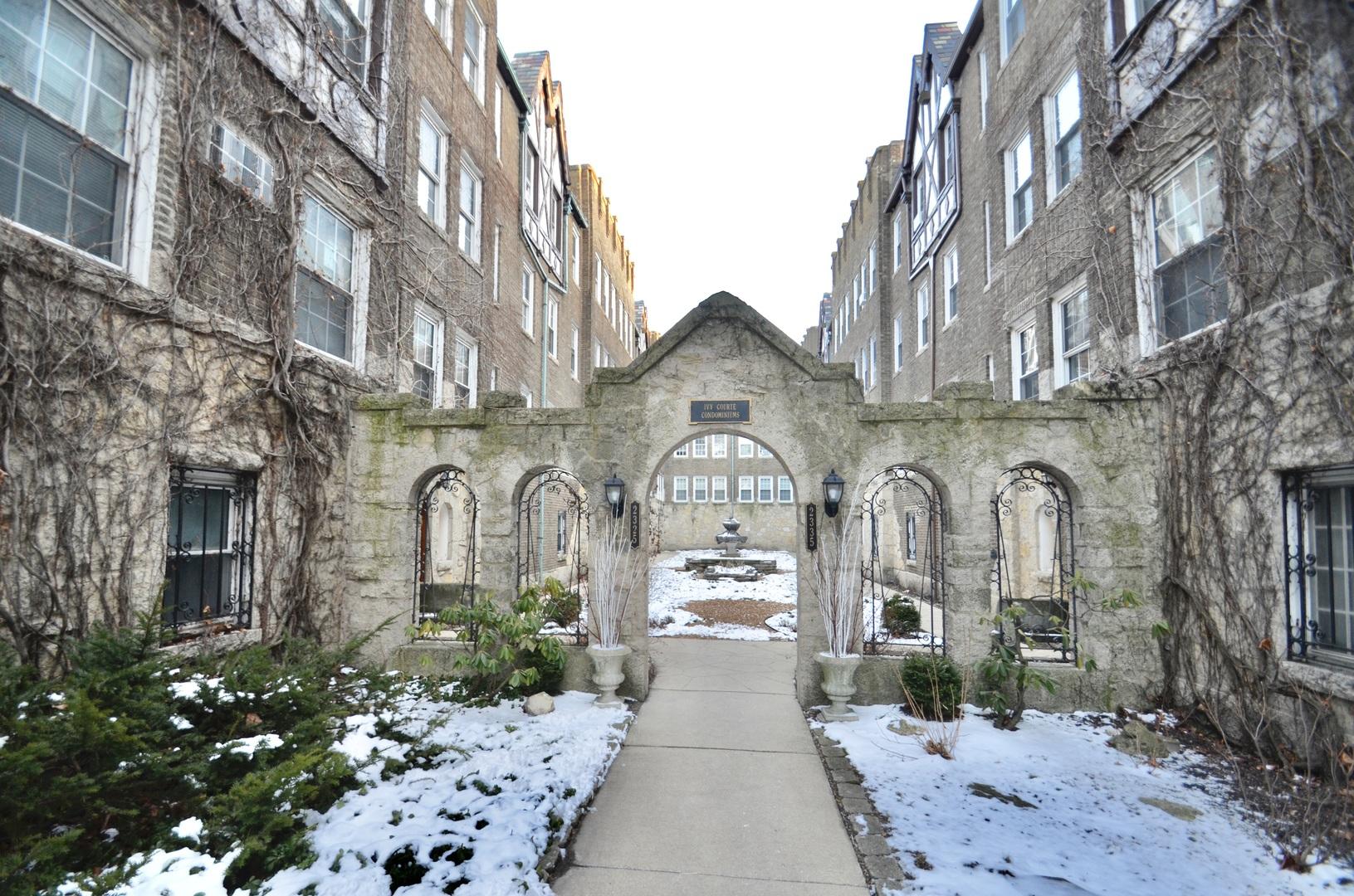 2327 W FARWELL Avenue Unit 1S, Chicago IL 60645