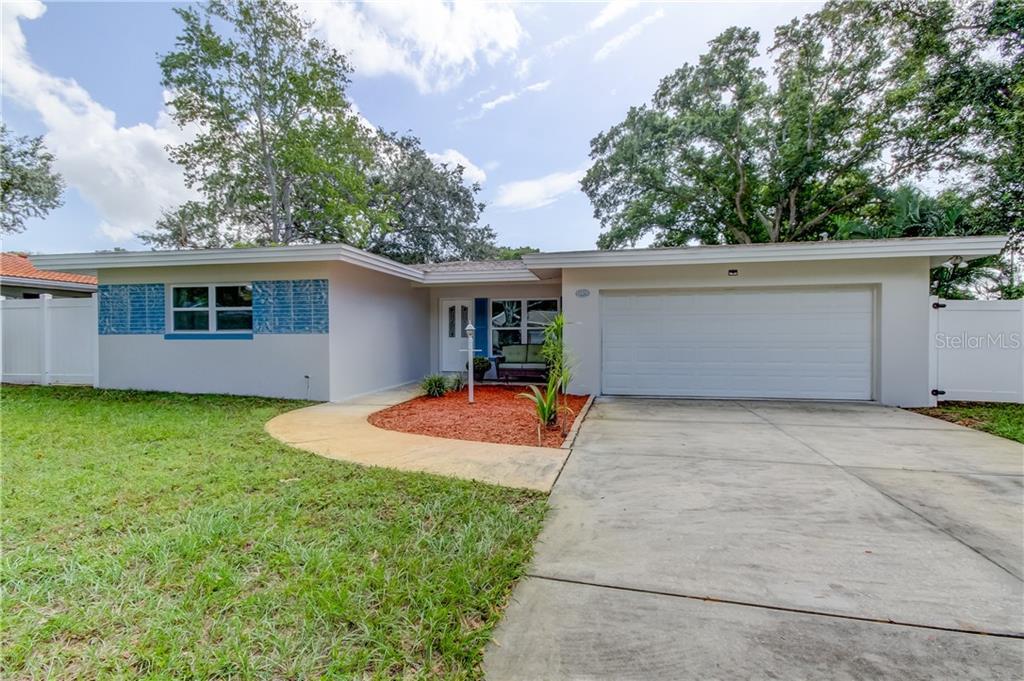 11672 PINEDALE AVE, Seminole FL 33772