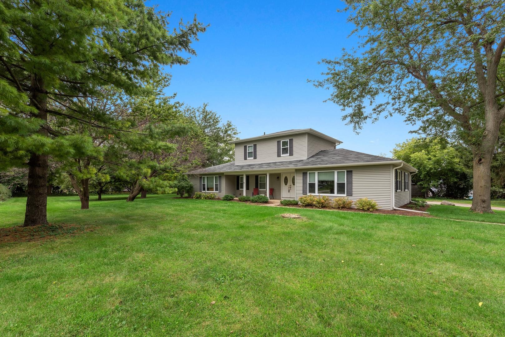 8916 Swanson Road, Crystal Lake IL 60014