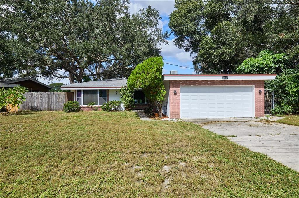 10247 BLOSSOM LAKE DR, Seminole FL 33772