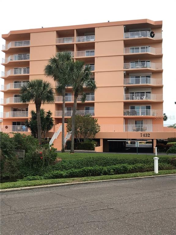 7432 SUNSHINE SKYWAY LN S #501, St Petersburg FL 33711