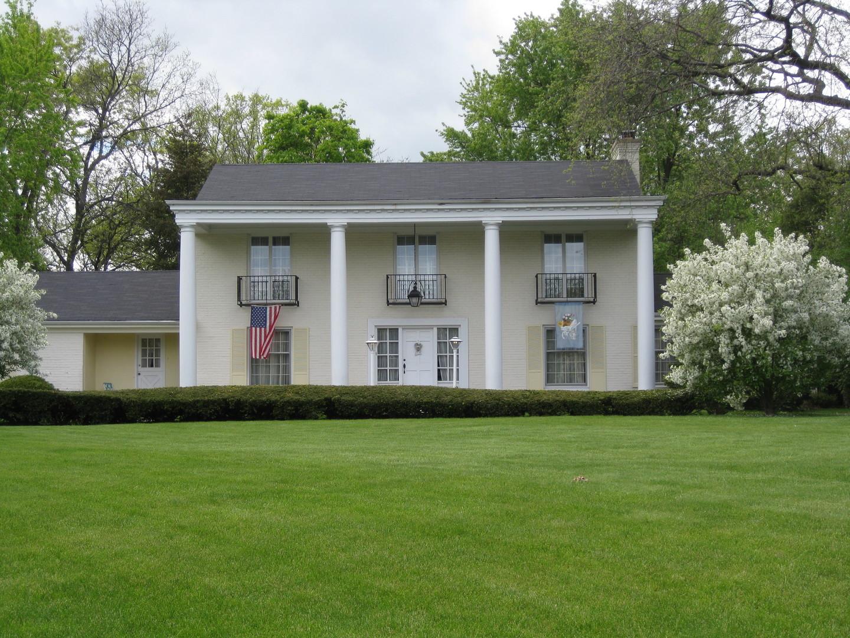 1134 Oak Knoll Drive, Lake Forest IL 60045