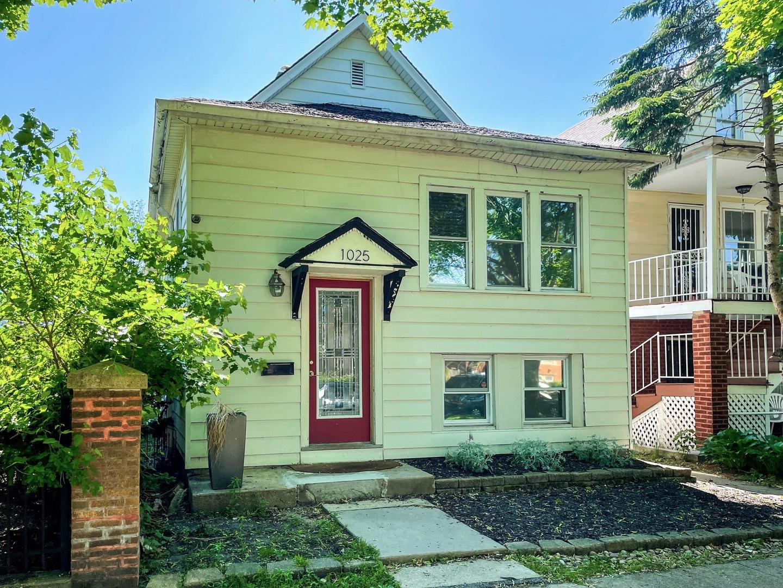 1025 Dewey Avenue, Evanston IL 60201