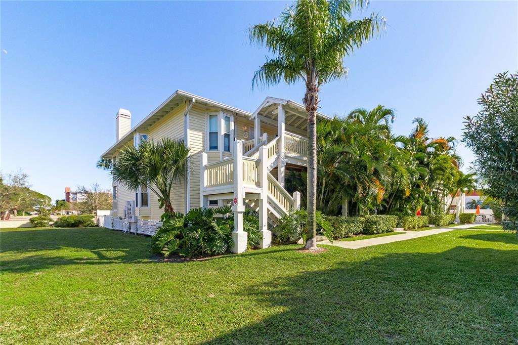 10399 PARADISE BLVD #109, Treasure Island FL 33706