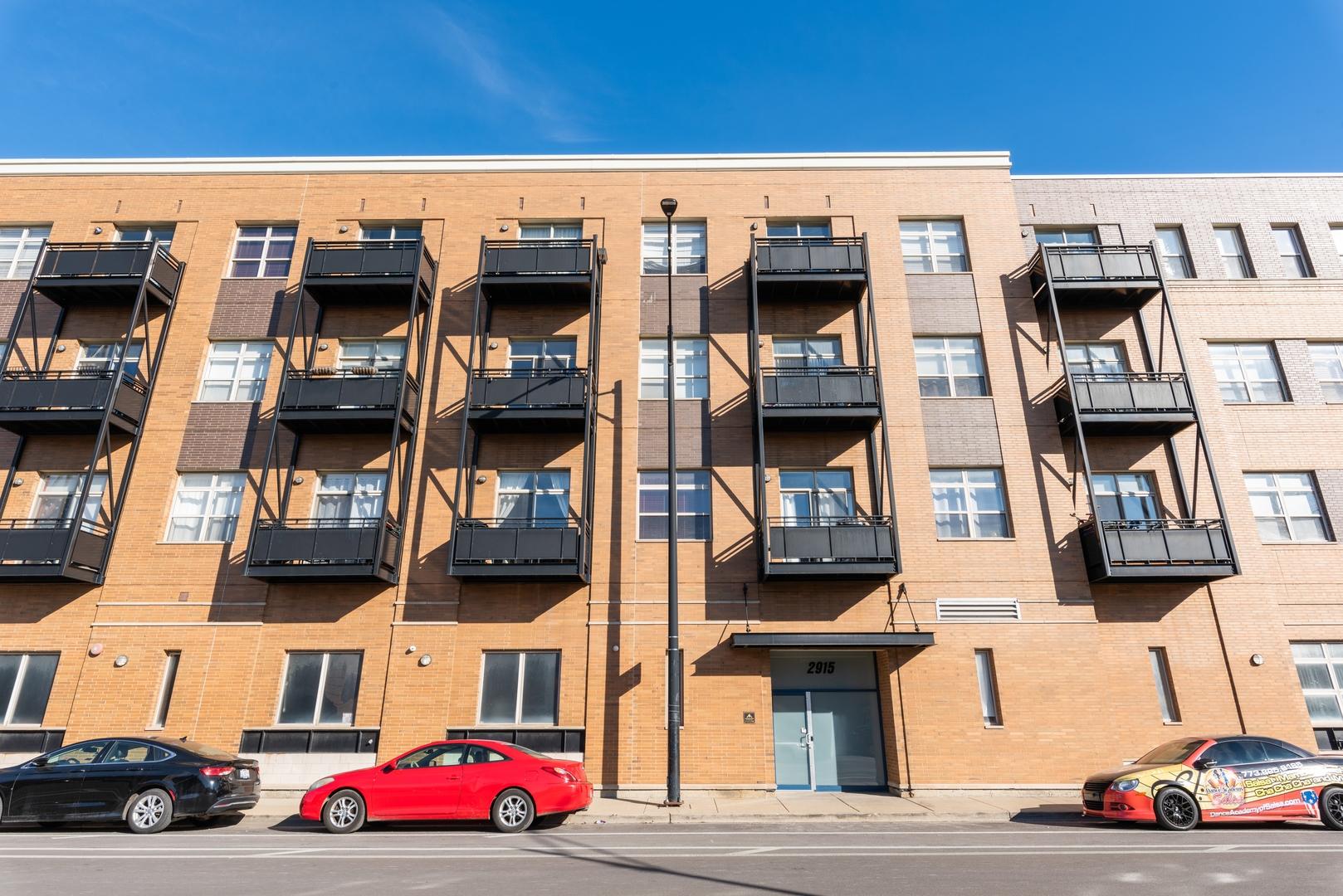 2915 N Clybourn Avenue Unit 203, Chicago IL 60618