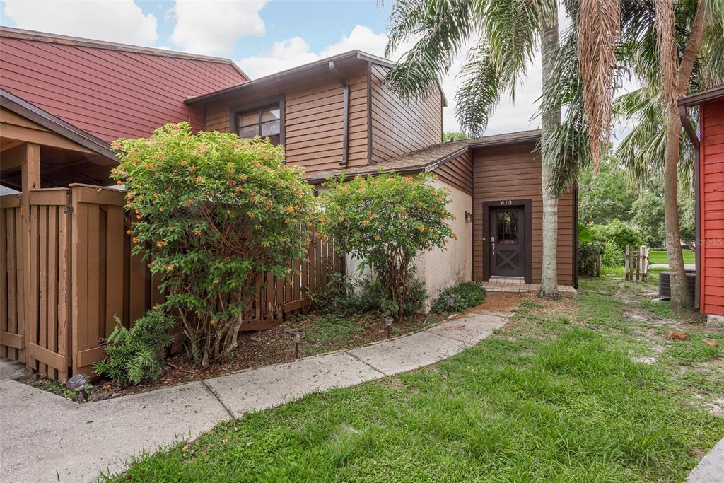 613 FAIRWOOD FOREST DR, Clearwater FL 33759