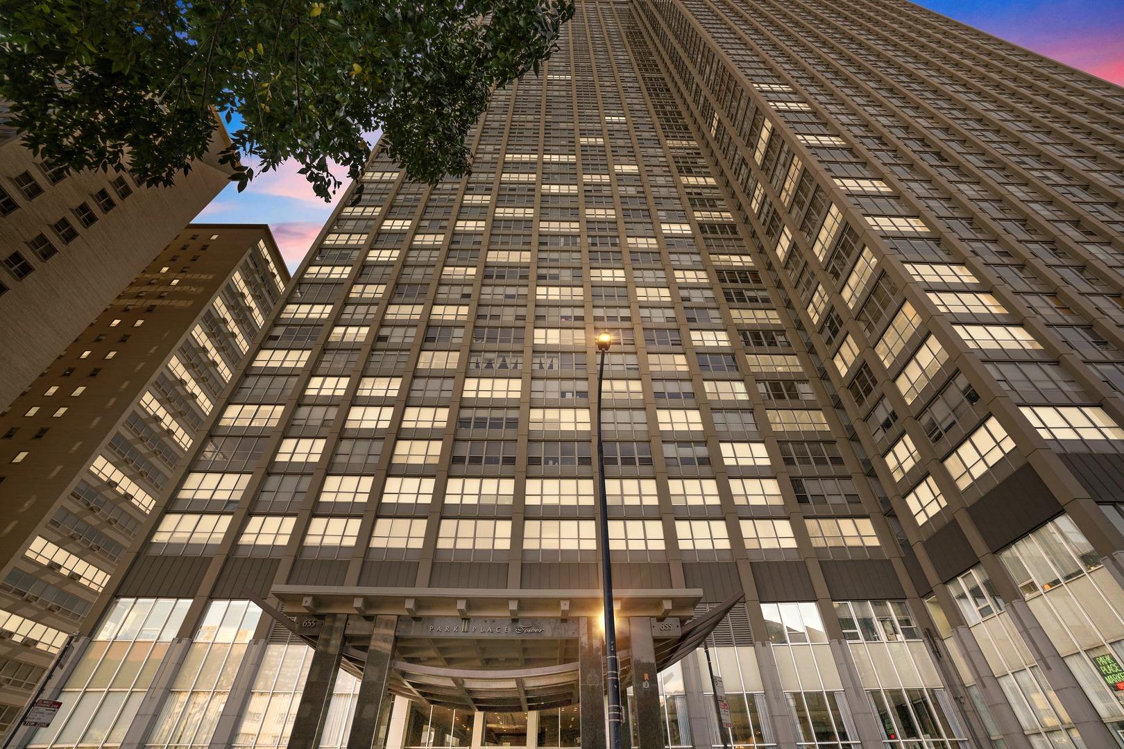 655 W Irving Park Road Unit 1716, Chicago IL 60613