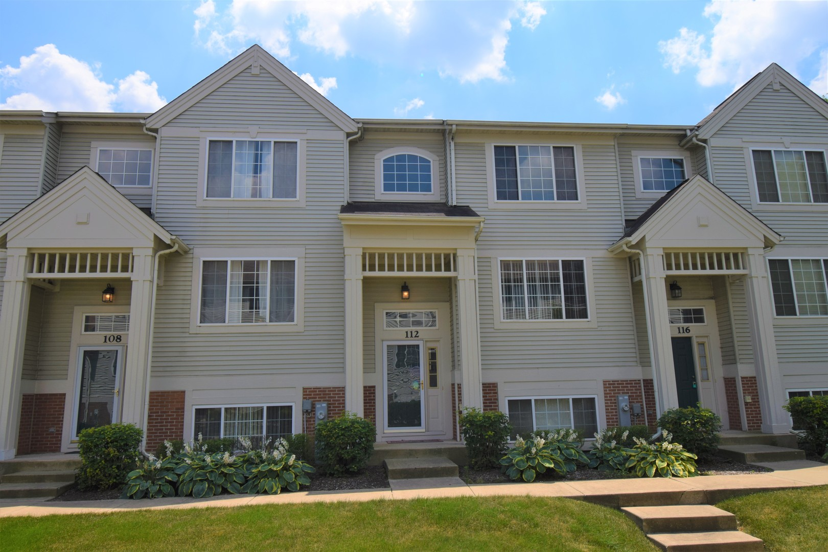 112 New Haven Drive, Cary IL 60013