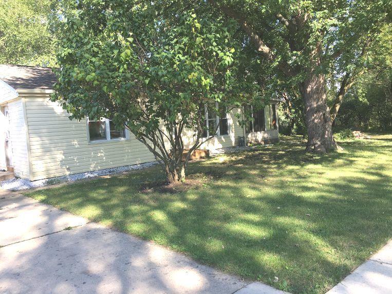 702 Southwind Drive, Carpentersville IL 60110