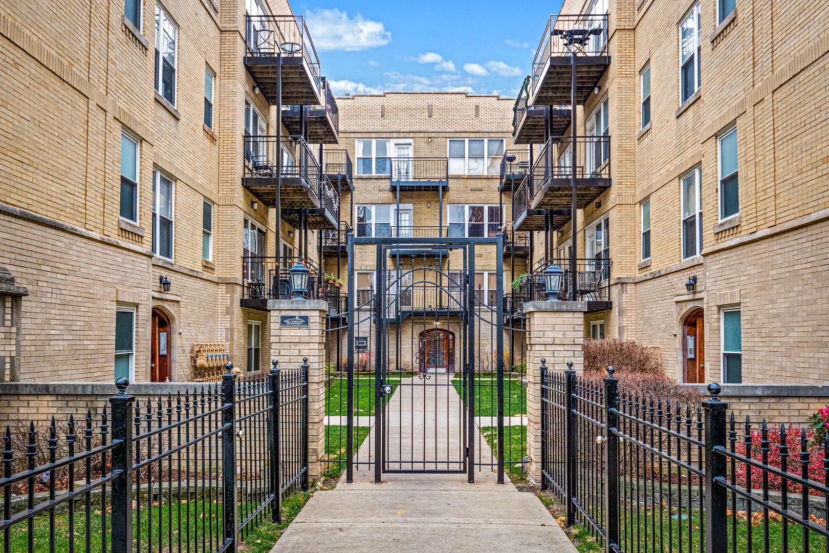 4012 N Albany Avenue Unit GA, Chicago IL 60618