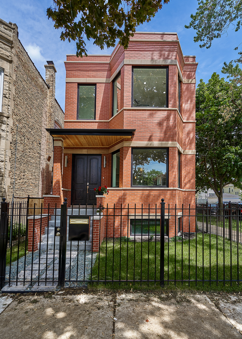 2501 N Talman Avenue, Chicago IL 60647
