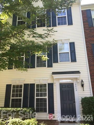 15642 King Louis Court, Charlotte NC 28277