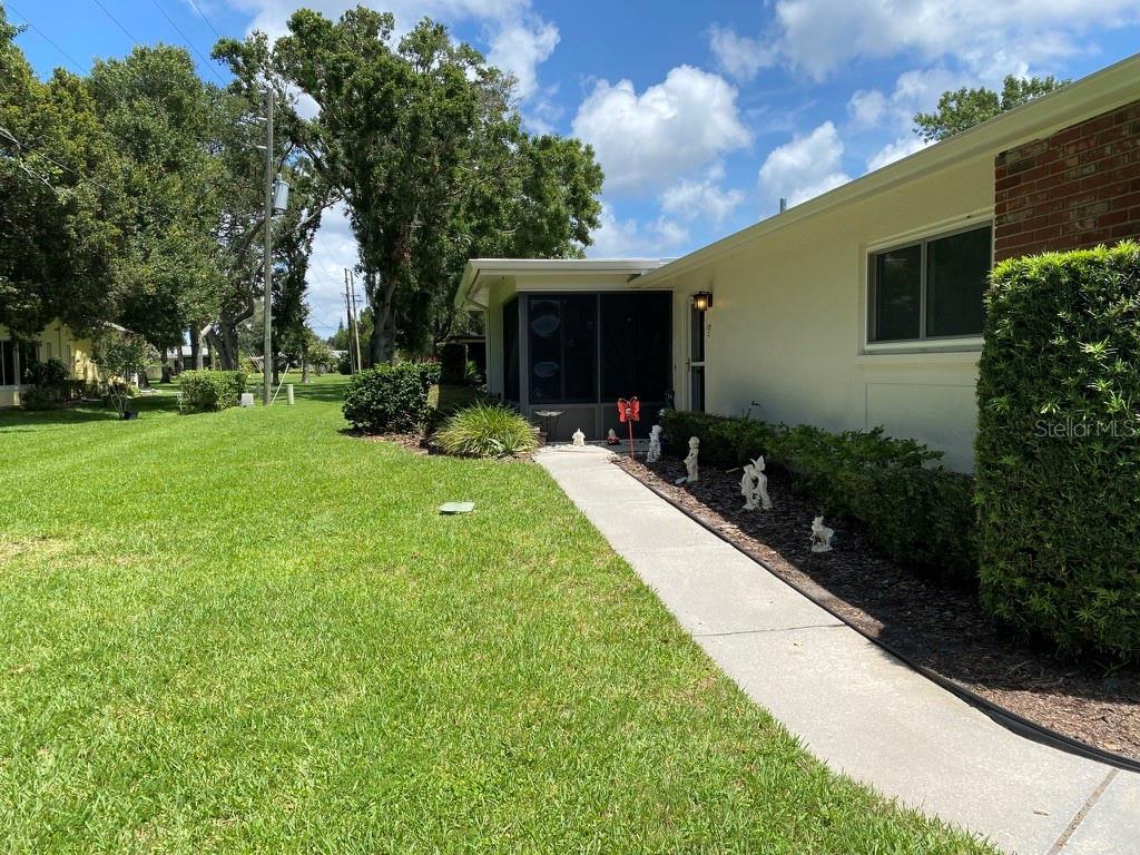 1121 QUEEN ANNE DR #C, Palm Harbor FL 34684