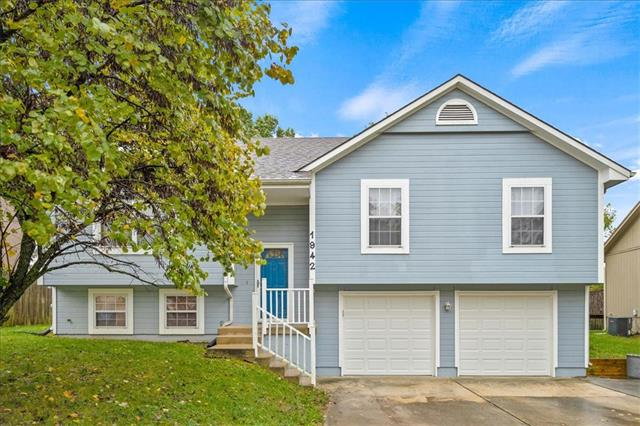 1942 S Leslie Drive, Independence MO 64055