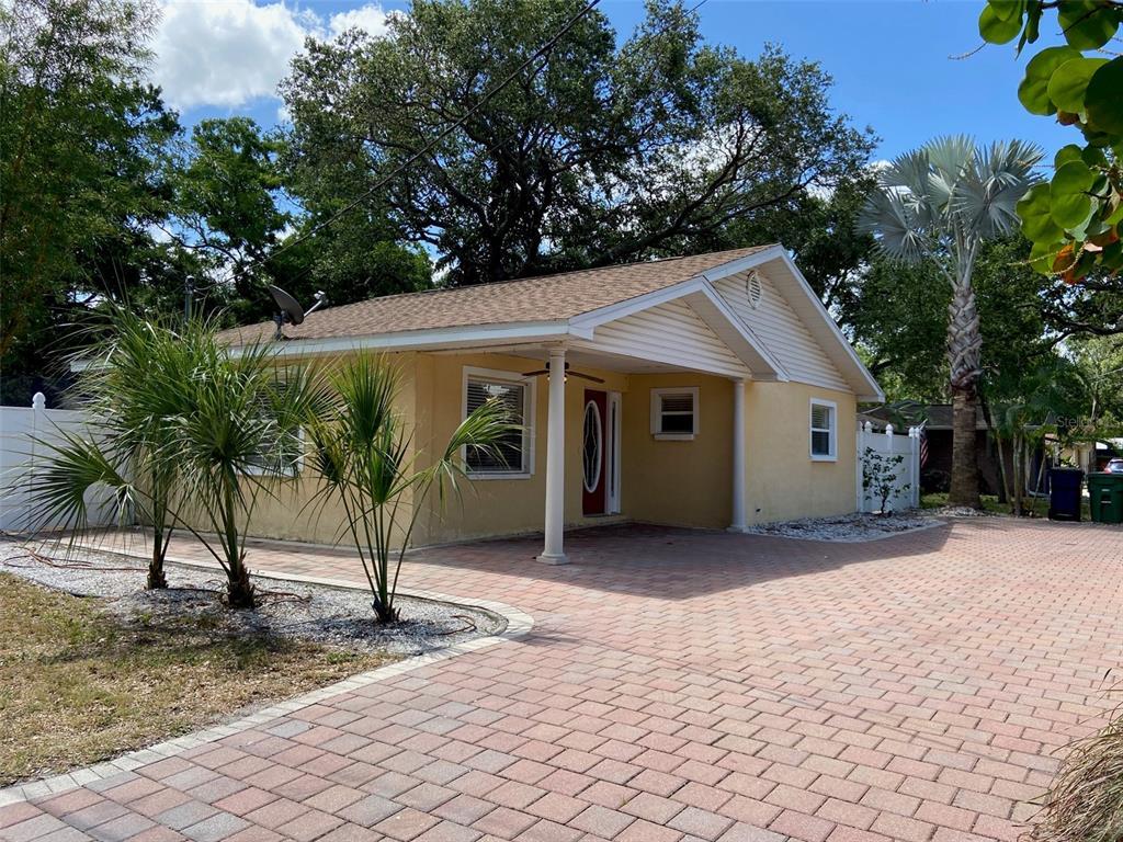 7102 S SHAMROCK RD, Tampa FL 33616