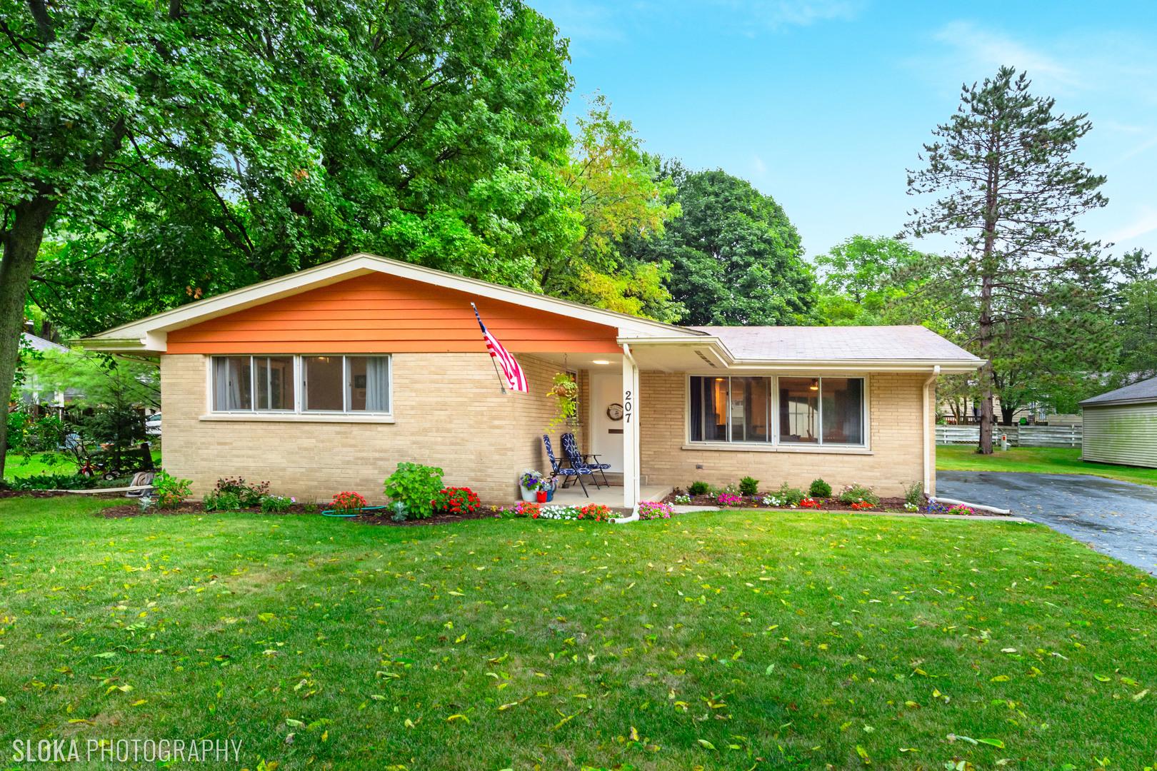207 Gladys Avenue, Fox River Grove IL 60021