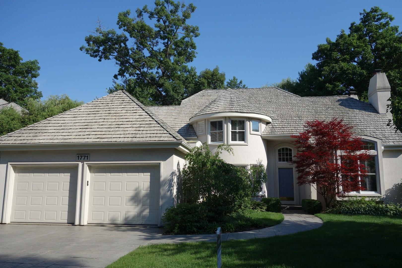 1771 Princeton Court, Lake Forest IL 60045