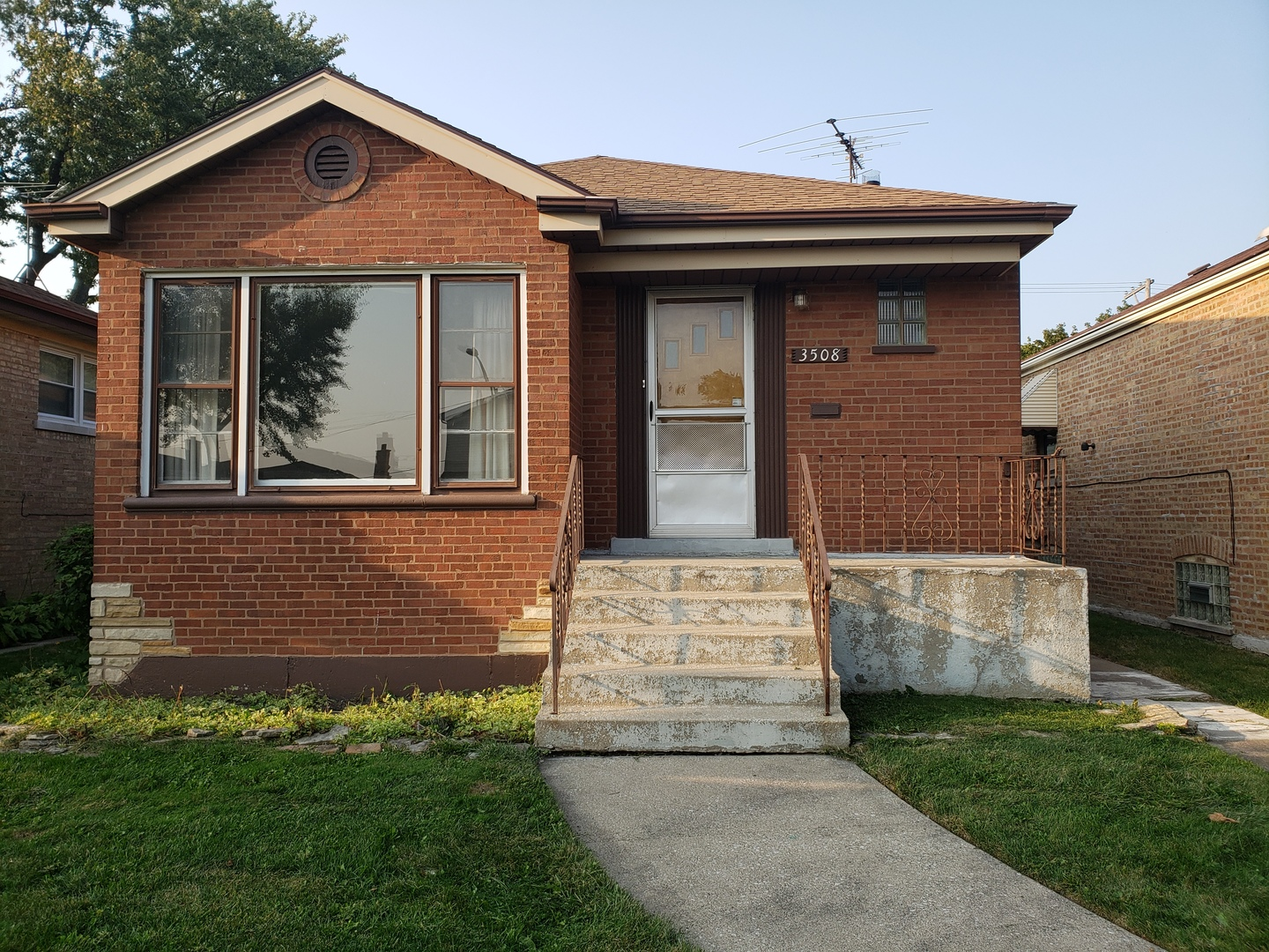 3508 W 84th Place, Chicago IL 60652