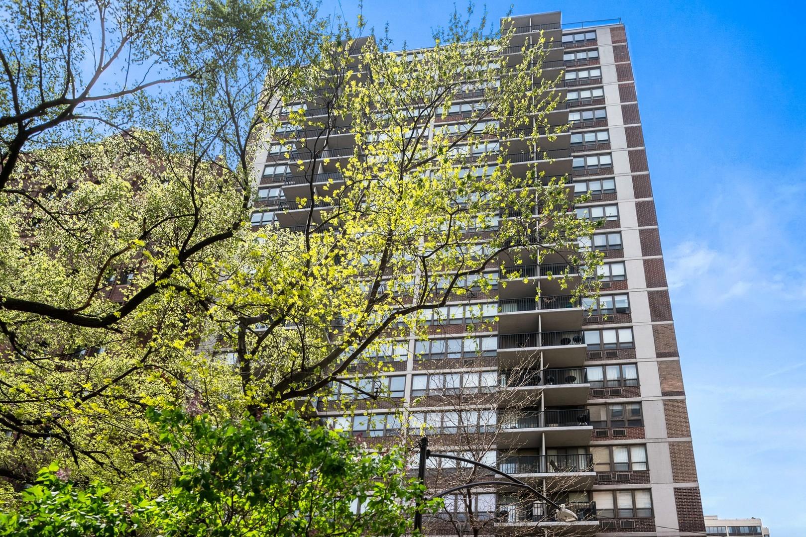 2740 N Pine Grove Avenue Unit 15C, Chicago IL 60614