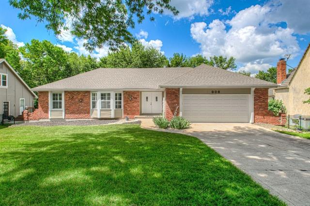 906 Saint Andrews Drive, Kansas City MO 64145