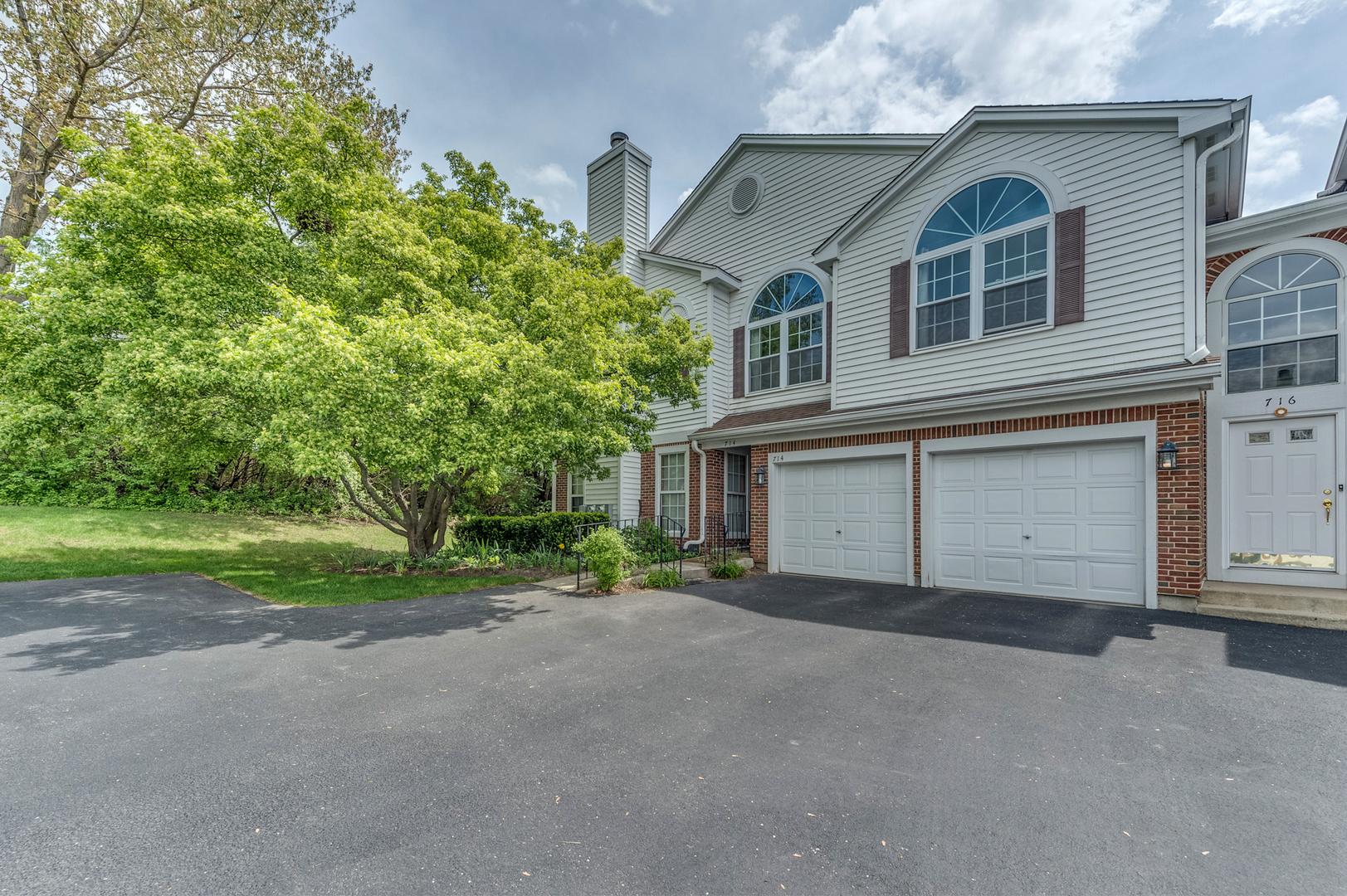 714 Grosse Pointe Circle, Vernon Hills IL 60061