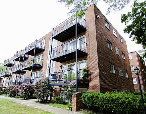 2636 W Catalpa Avenue Unit 35, Chicago IL 60625