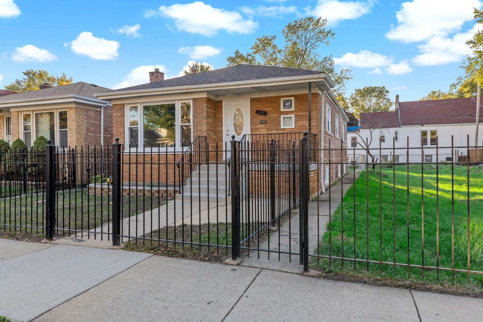 8106 S Woodlawn Avenue, Chicago IL 60619