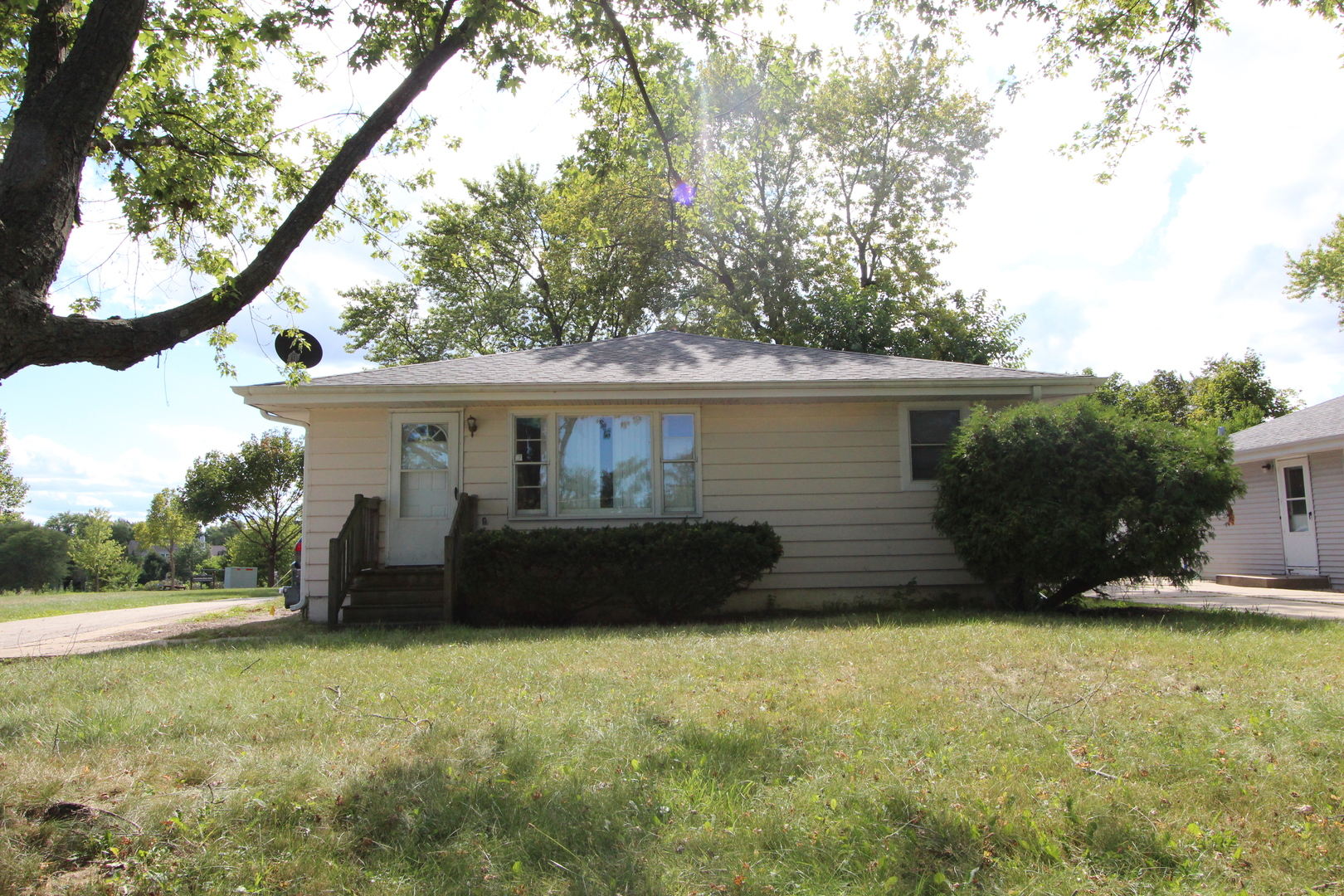 443 S Old Rand Road, Lake Zurich IL 60047