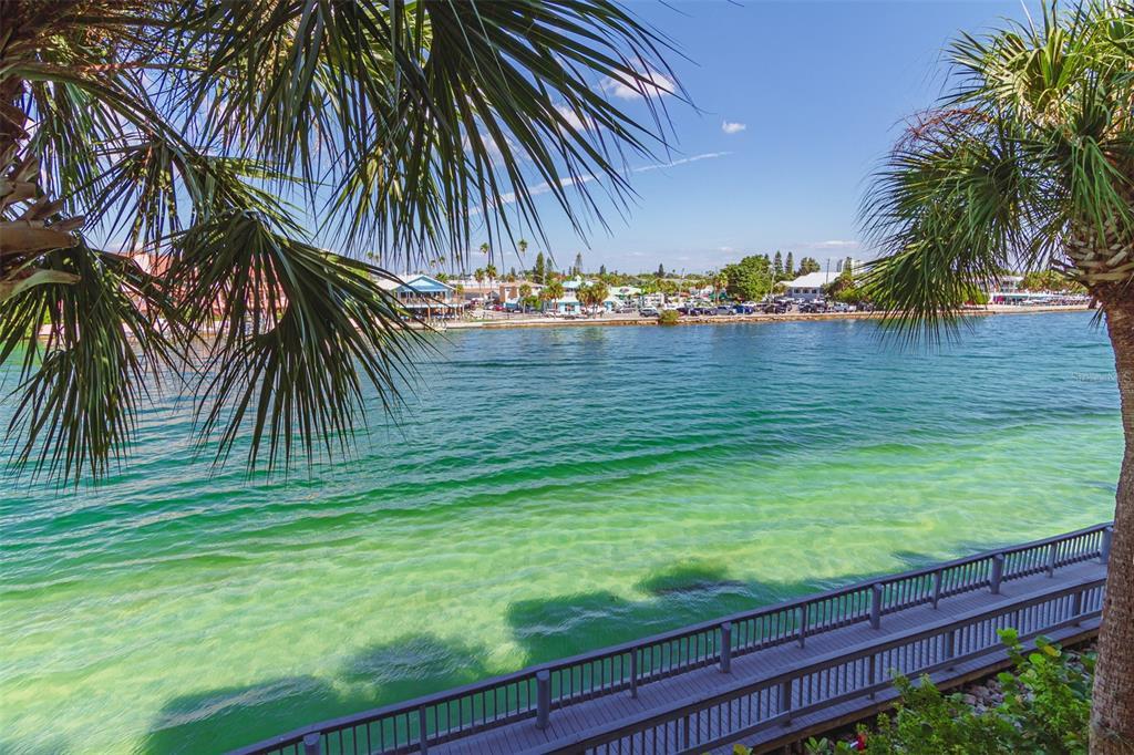 7467 BAYSHORE DR #303, Treasure Island FL 33706