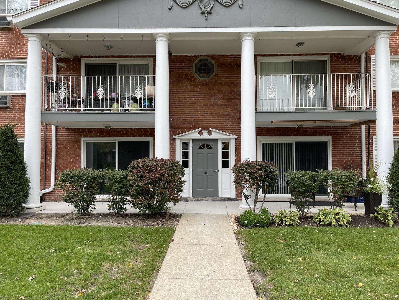 16 E Lillian Avenue Unit 1B, Arlington Heights IL 60004