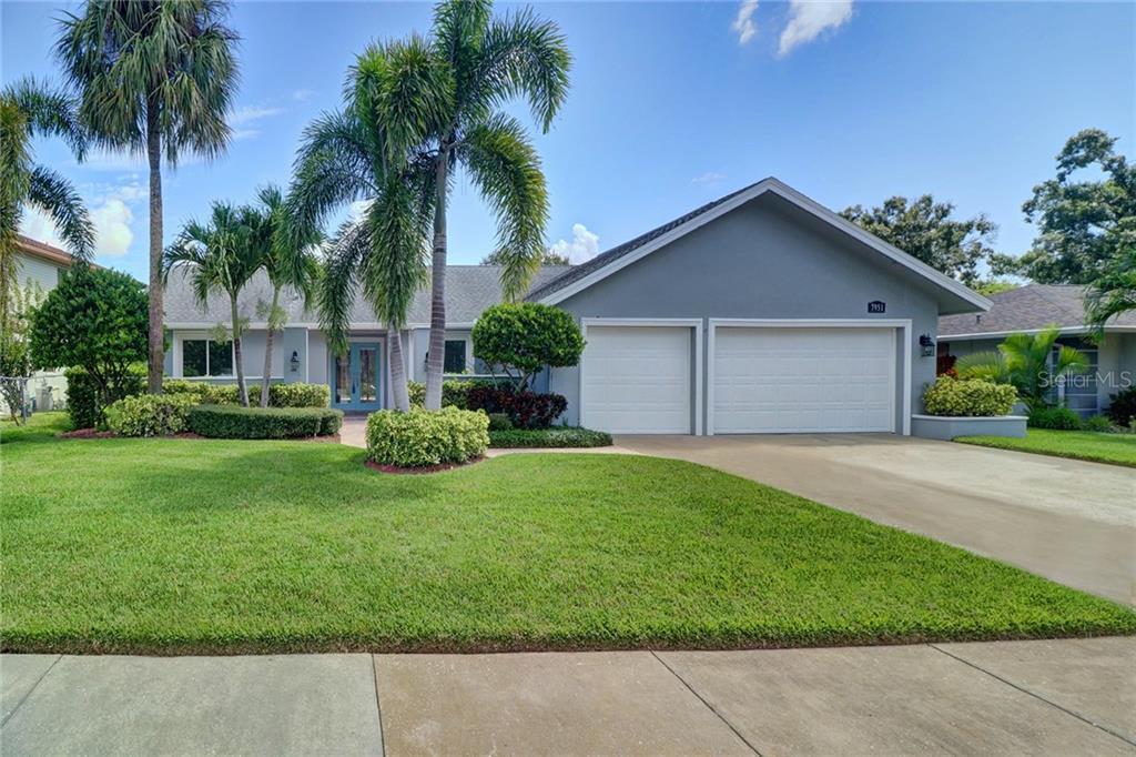 7951 HARWOOD RD, Seminole FL 33777